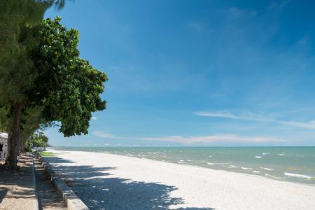 hua hin: Tropical Sea and Blue Sky at Hua Hin Beach, Petchaburi, Thailand Stock Photo