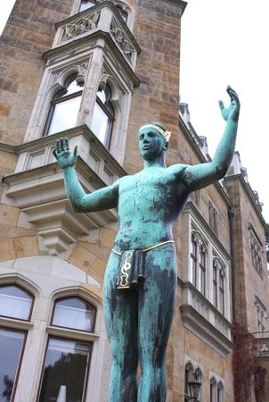 sun worshiper - II - castle Eckberg - Dresden 報道画像