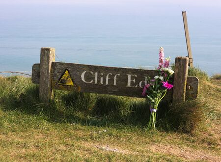 Eastbourne - Beachy Head - cliff edge - II -