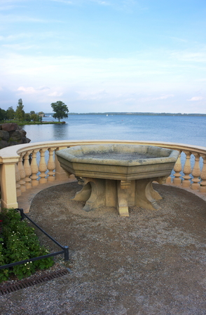 Basin at lake - II - Castle Schwerin - Redakční