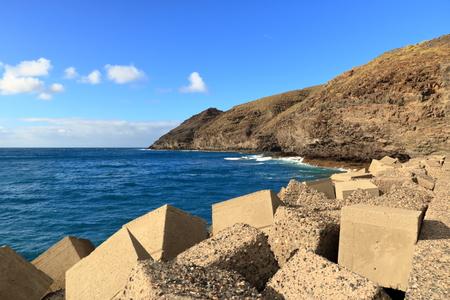 View of the port and beach puerto de la aldea of the Village of San Nicolas in Gran Canaria in Spain Foto de archivo