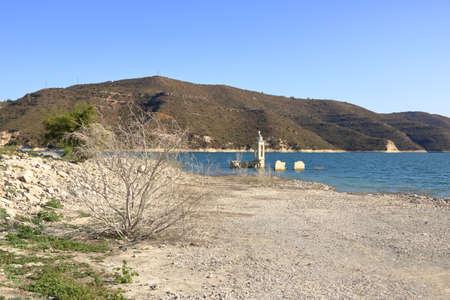 The Abandoned Church of St. Nicholas at the Kouris Reservoir. Cyprus. 免版税图像