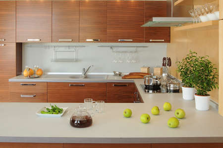 contadores: espacio de trabajo en la cocina moderna Foto de archivo