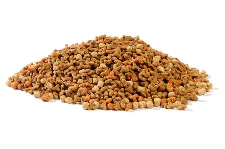 catfood: foraggio secco per gattini con una gallina, le carote e il latte