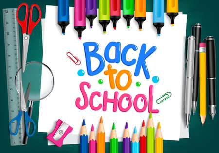 scuola: Realistico 3D Set di elementi di scuola con Ritorno a scuola titolo scritto nel Libro bianco con Set di pastelli e gli indicatori colorati. Illustrazione vettoriale