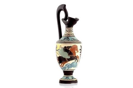 vasi greci: Antico vaso greco isolato su bianco