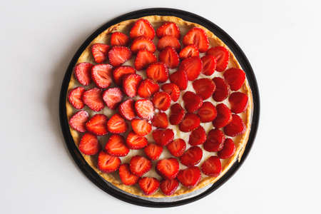 strawberry tart, strawberry flan in baking form