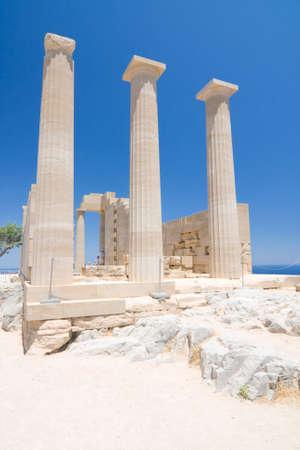 antigua grecia: Ruinas del antiguo templo. Lindos. Isla de Rodas. Grecia