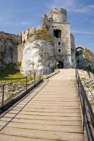 Ogrodzieniec Castle, Poland. Stock Photo - 16624750