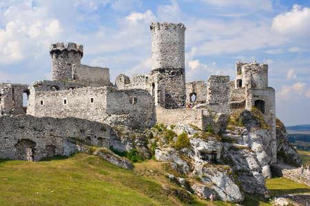 Ogrodzieniec Castle, Pologne.