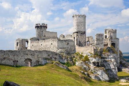 ogrodzieniec: Ogrodzieniec Castle, Poland.