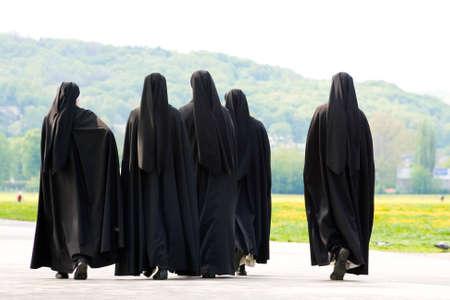 Cinq religieuses