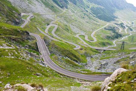 Transfagarasan carretera de monta�a, C�rpatos rumanos photo