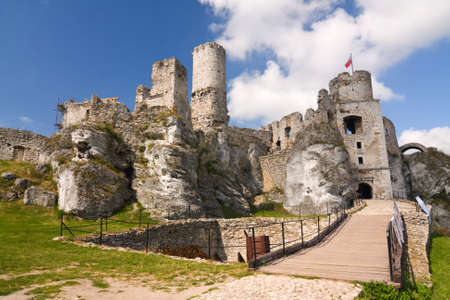 ogrodzieniec: The old castle ruins of Ogrodzieniec fortifications, Poland.
