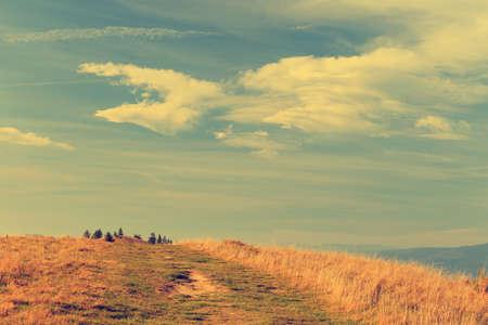 vintage look: autunno paesaggio di montagna, look vintage Archivio Fotografico