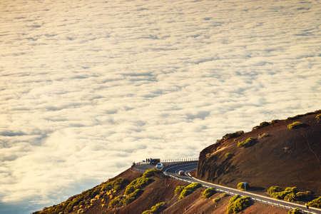テネリフェ島のカナリア島、スペインの夕暮れエル テイデ火山への道