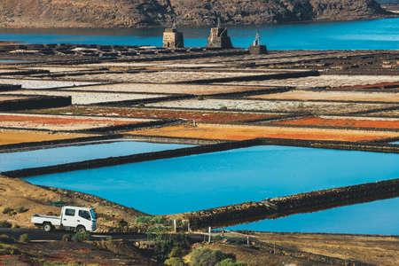 サリナス ・ デ ・ Janubio、ランサローテ島、スペインの島で岩塩坑 写真素材