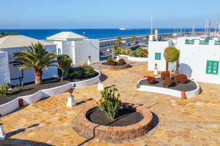 playa blanca: Promenade in Marina Rubicon in Playa Blanca, Lanzarote, Canary Island, Spain Stock Photo