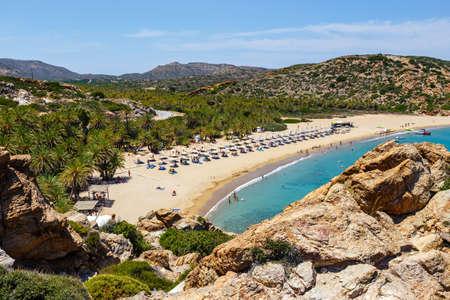 ヴァイ東クレタ島、ギリシャの美しいヤシ林で有名な浜 写真素材