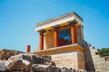 Scenic ruins of the Minoan Palace of Knossos on Crete, Greece Banco de Imagens - 84085208