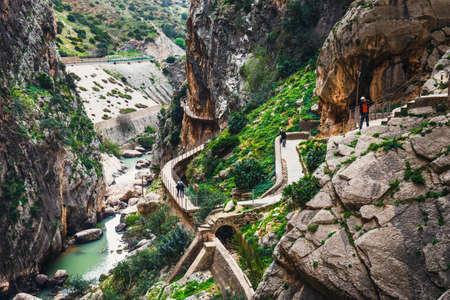 Caminito del Rey, Spanje, 04 April 2018: Caminito Del Rey - bergpad langs steile kliffen in Andalusië, Spanje