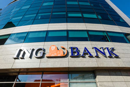 Wroclaw, Poland, October 07, 2018: ING Bank branch entrance.  ING Group is a multinational banking company based in the Netherlands. Banco de Imagens - 113415401
