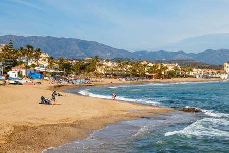 La Cala De Mijas, Spain, April 02, 2018: seaside promenade in La Cala De Mijas, Costa del Sol, Spain Zdjęcie Seryjne - 128080721