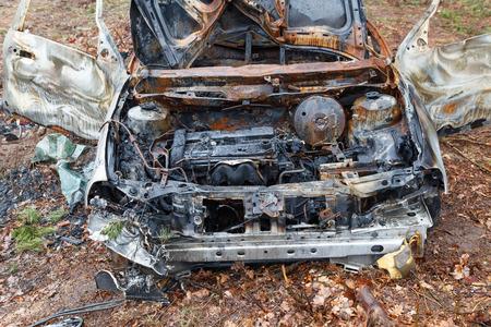 quemado: Burned car wreck Foto de archivo