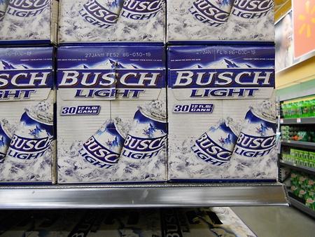walmart: Cerveza ligera de CLARKSTONWASHINGTON estado USA _Busch a bajo precio en Walmart 5 de marzo de 2011