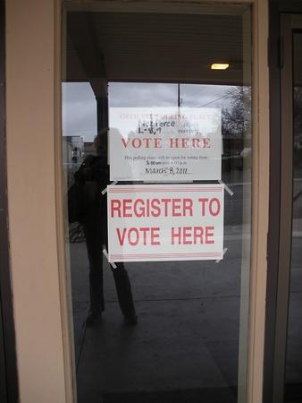 encuestando: LEWISTONIDAHOEstados Unidos _ lugar de votaci�n a votar forLewiston secundaria bonos pagan por impuesto a la propiedad remales valunteer verificaci�n indification de votantes el 8 de marzo de 2011