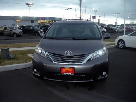 trafic: LEWISTONIDAHOUSA _  Toyota auto dealer 9 March 2011