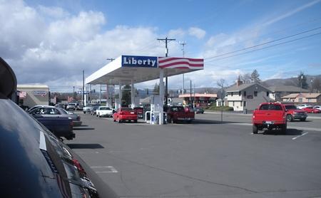 LEWISTONIDAHOUSA _  High diesel 404 and regular 3.45 at Liberty gasoline station 17 March 2011