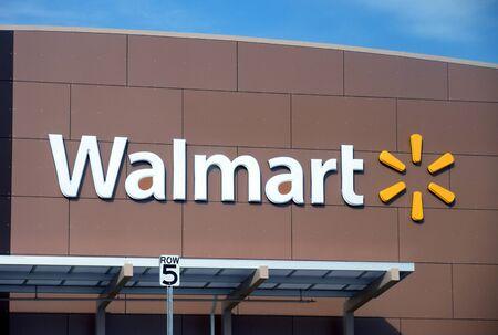 walmart: CLARKSTONWASHINGTON STATE USA _ Walmart store 27 March 2011  Editorial
