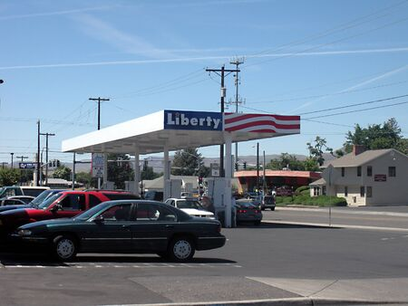 LEWISTONIDAHO STATE USA _ Less gasoline prices in Idaho stte USA 2 July 2011