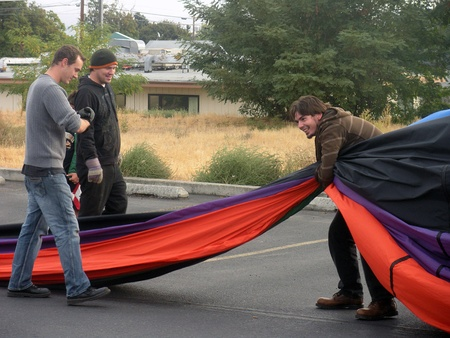 LEWISTONIDAHO STATE USA _Males preparin for air balloon  on 9 Oct. 2011   Editorial