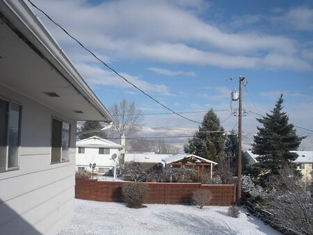 LEWISTONIDAHO STATE USA _ First snowfall 1 inch and half in Lewiston idaho sstate today on 16 Jnuary 2012
