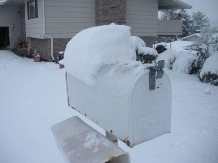 LEWISTONIDAHO STATE USA _Heavy snow  falls  12 inches today 18 Janaury 2012