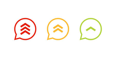 Jeu d'icônes de priorité élevée moyenne faible. Image clipart isolé sur fond blanc
