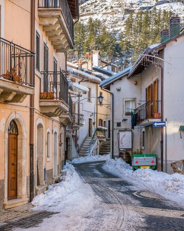 Pescasseroli on a sunny winter afternoon. Abruzzo National Park, Italy. 報道画像