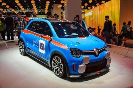 FRANKFURT - 21. September: RENAULT TWIN-RUN CONCEPT CAR als Weltpremiere auf der 65. IAA (Internationale Automobil Ausstellung) am 21. September 2013 in Frankfurt, Deutschland vorgestellt