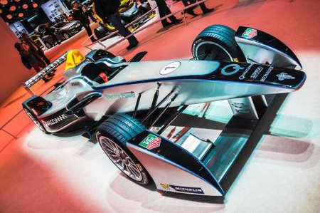 FRANKFURT - 21. September: Funken-Renault Formel E Rennwagen als Weltpremiere auf der 65. IAA (Internationale Automobil Ausstellung) am 21. September 2013 in Frankfurt, Deutschland präsentiert