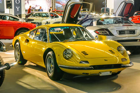 FRANKFURT - September 2015: 1971 Ferrari Dino 246 bei IAA am 20. September vorgestellt, 2015 in Frankfurt am Main, Deutschland Standard-Bild - 46438135