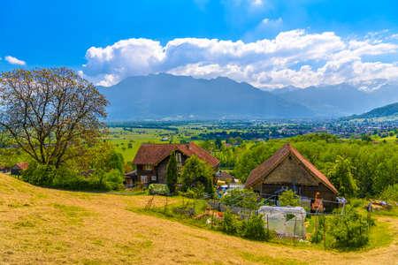 Farm houses in mountain village, Grabs, Werdenberg, St Gallen Switzerland Standard-Bild - 133832315