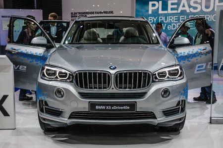 FRANKFURT - SEPT 2015: BMW X5 xDrive40e presented at IAA International Motor Show on September 20, 2015 in Frankfurt, Germany Stok Fotoğraf - 128619905