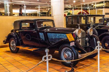 FONTVIEILLE, MONACO - JUN 2017: black ROLLS-ROYCE PHANTOM I 1927 in Monaco Top Cars Collection Museum. Stok Fotoğraf - 128620127