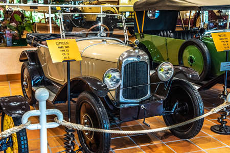 FONTVIEILLE, MONACO - JUN 2017: beige CITROEN C3 1921 in Monaco Top Cars Collection Museum. Stok Fotoğraf - 128620146
