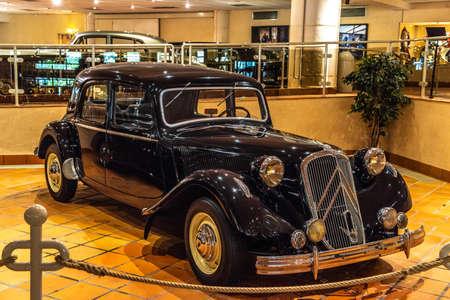 FONTVIEILLE, MONACO - JUN 2017: black CITROEN 15SIX 1950 in Monaco Top Cars Collection Museum. Stok Fotoğraf - 128620170