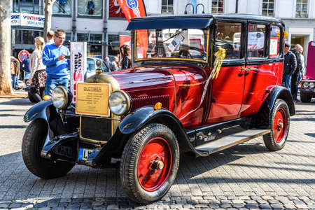 GERMANY, LIMBURG - APR 2017: red CITROEN B14 G 1927 in Limburg an der Lahn, Hesse, Germany. Stok Fotoğraf - 128620247