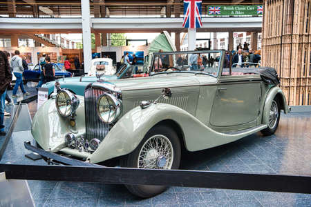 FRIEDRICHSHAFEN - MAY 2019: beige BENTLEY DERBY TOURER 1937 cabrio roadster at Motorworld Classics Bodensee on May 11, 2019 in Friedrichshafen, Germany. Editoriali