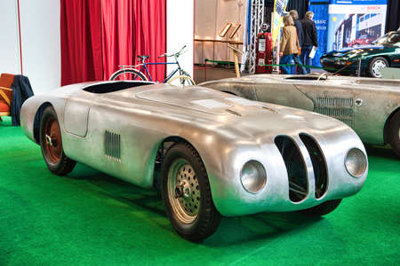 FRIEDRICHSHAFEN - MAY 2019: silver racing car prototype BMW 328 TOURING 1938 cabrio at Motorworld Classics Bodensee on May 11, 2019 in Friedrichshafen, Germany. Editoriali